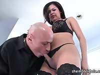 Kinky TS doctor Carmen Monroe bangs and shoves toy into a hunk guys ass