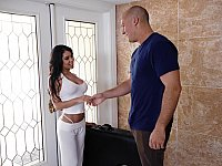 Busty Latina masseuse seduces a guy