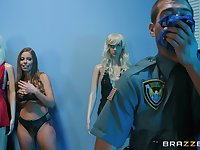 Fake cop Xander Corvus screwed stemaing-hot hooker