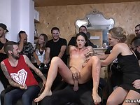 Naked slave getting laid at hairdressers