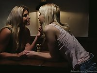 Auburn buxom lesbo India Summer loves to fingerfuck and to eat slit in 69
