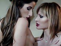 Mature lesbian blonde and brunette Ava Courcelles and Clea Gaultier