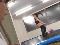 Sporty Japanese brunette babe Ayami Shunka fucked at the gym