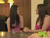 Mature lesbian India Summer scissoring with teen Raylene