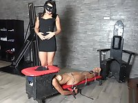 mistress gaia extreme slave sniffing