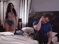 Jaw dropping mommy Jasmine Jae seduces stepson and gets her pussy slammed