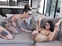Yummy Rocky Emerson and Jasmine Grey look great in glasses as they play