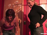 Mature amateur wife invited her girl friend for a threesome