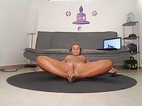 Really great naked yoga with Jenny