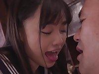 愛しのヤモリ先生 制服美少女と中年教師の変態的ベロキス中出し性交 花音うらら
