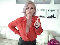 Kinky mommy is sucking dick like a real pro, because it feels so fucking good