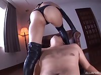 Seductive Yuu Namiki drops her thong to have passionate sex