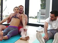 Yoga session leads to hardcore pussy pounding for Jessa Rhodes