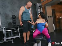 Extra large lady AliceafterDark gets some good sex after a hard workout