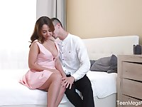 Curvy babe with a passionate look Natali Ruby loves sensual sex