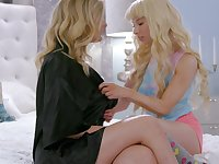 First lesbian sex with hot stepmom Mona Wales and her lesbian girlfriend Kendra James