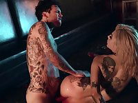 Extravagant stripper Bonnie Rotten gets banged by client Small Hands